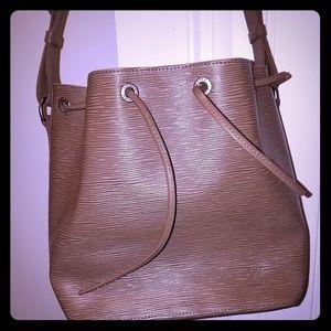 Authentic Louis Vuitton Noe Epi bag